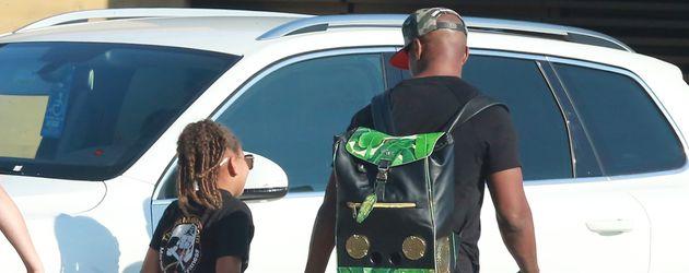 """Jamie Foxx mit Tochter Annalise beim Verlassen des """"Nobu""""-Restaurants in Los Angeles"""