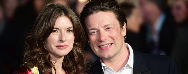 Jamie Oliver mit Frau Juliette auf dem Red Carpet