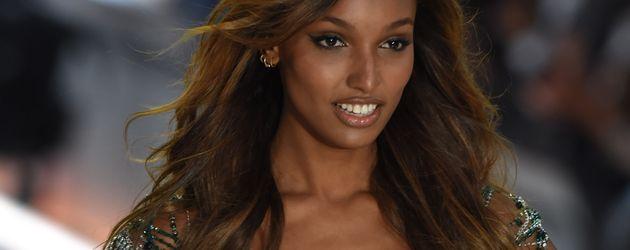 """Jasmine Tookes auf der """"Victoria's Secret""""-Fashionshow 2016"""