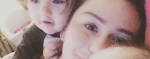 """Jennifer """"Jwoww""""-Farley kuschelt mit ihren Kindern Meilani und Greyson"""