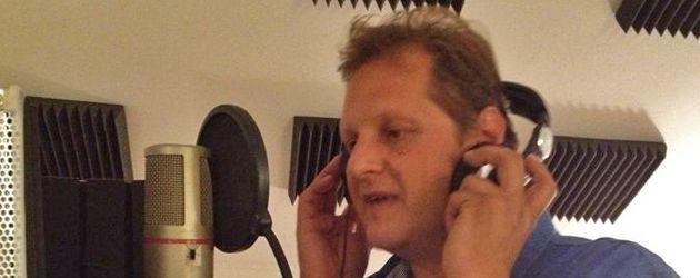 """Jens Büchner nimmt im Studio seine Single """"Pleite aber sexy"""" auf"""