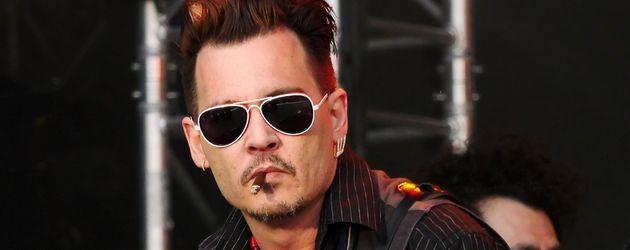 Johnny Depp bei einem Auftritt mit seiner Band in Dänemark