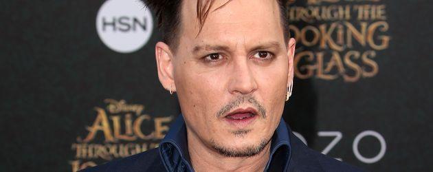 Johnny Depp bei der Alice-Premiere 2016