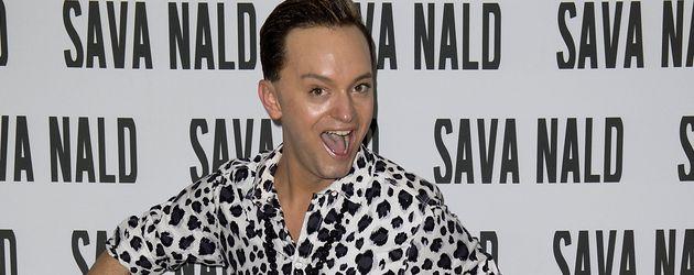 Julian F.M Stoeckel bei einer Fashionshow von Sava Nald in Berlin
