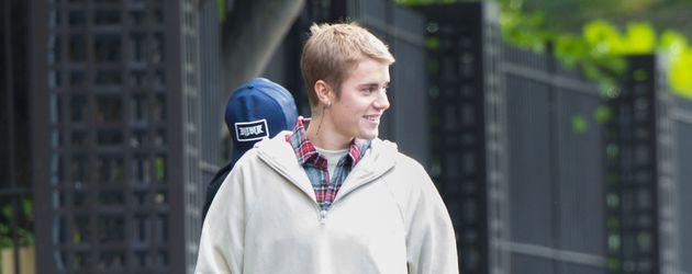 Justin Bieber bei einem Spaziergang durch London