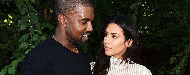 "Kanye West und Kim Kardashian bei der ""Kanye West Yeezy Season 4""-Fashion-Show"