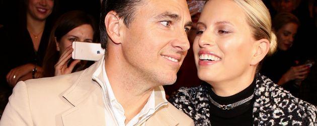 Karolina Kurkova mit ihrem Mann auf der Berlin Fashion Week