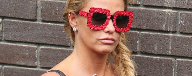 Katie Price mit Sonnenbrille