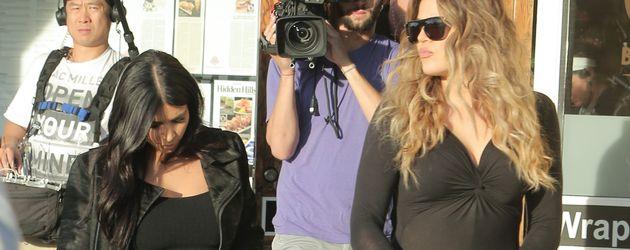 Khloe Kardashian und Kim Kardashian