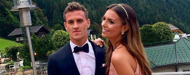 Moderatorin Laura Wontorra und Fußballer Simon Zoller