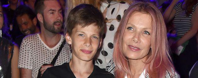 Liam Taj Veres und Mama Ursula Karven bei der Berlin Fashion Week 2016