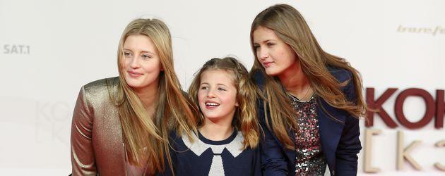 Luna, Emma und Lilli Schweiger bei einer Premiere