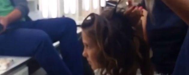 Schauspielerin Millie Bobby Brown beim Frisör