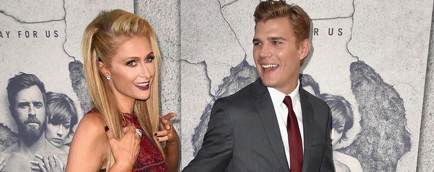 """Paris Hilton und Chris Zylka bei der """"Leftovers""""-Premiere in Los Angeles"""