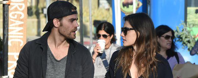 Paul Wesley und Phoebe Tonkin in Los Angeles