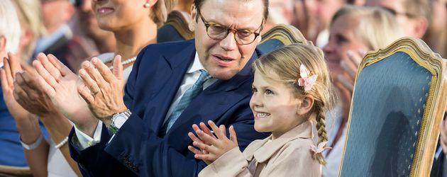 Prinz Daniel und Tochter Estelle von Schweden