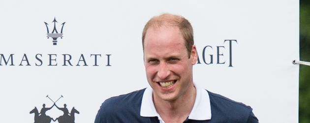 Prinz William bei einem Turnier im Beaufort Polo Club in der Nähe Londons