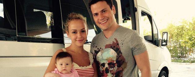 Rocco Stark mit Kim Gloss und der gemeinsamen Tochter Amelia