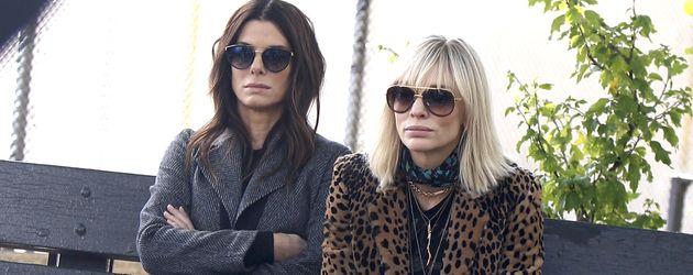 """Sandra Bullock und Cate Blanchett im Oktober 2016 bei am Set von """"Ocean's Eight"""" in New York"""