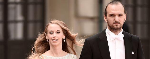 Sara Hellqvist und Oskar Bergman bei der Hochzeit von Carl Philip und Sofia