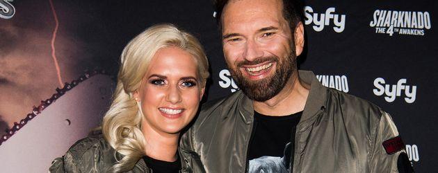 """Sarah Knappik und Ingo Nommsen bei der """"Sharknado 4""""-Premiere in Berlin"""