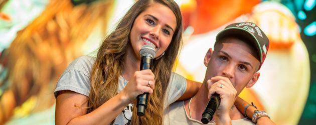 Sarah und Pietro Lombardi bei einem Auftritt in Saarbrücken