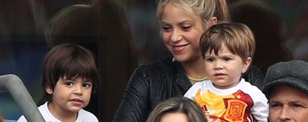 Shakira, Milan & Sasha bei der EM 2016