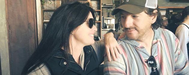 """Shannen Doherty und Ehemann Kurt Iswarienko im """"Porch and Parlour"""""""