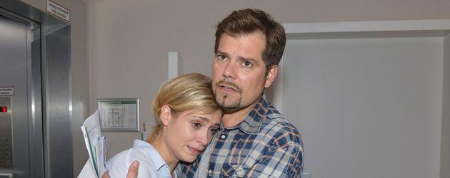 Sophie (Lea Marlen Woitack) und Leon (Daniel Fehlow) bei GZSZ
