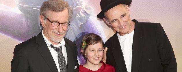"""Steven Spielberg mit Ruby Barnhill und Mark Rylance bei der """"BFG - Big Friendly"""
