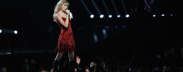 Taylor Swift in Auckland, Neuseeland, auf einem Konzert 2012