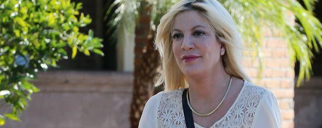 Tori Spelling macht ihren Einkauf in Los Angeles